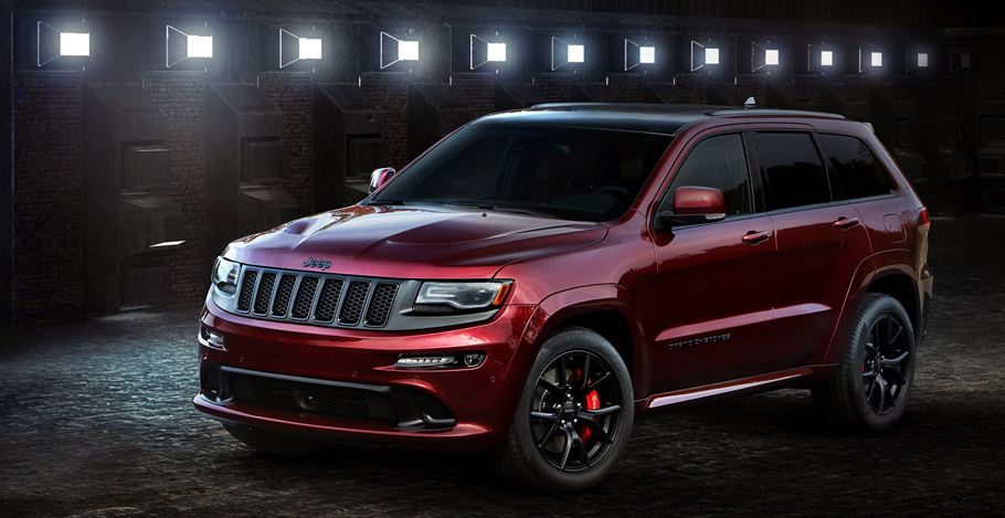 2016 Jeep Grand Cherokee SRT Night Side View