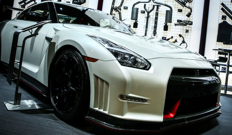 Nissan GT-R NISMO N-Attack  Side View