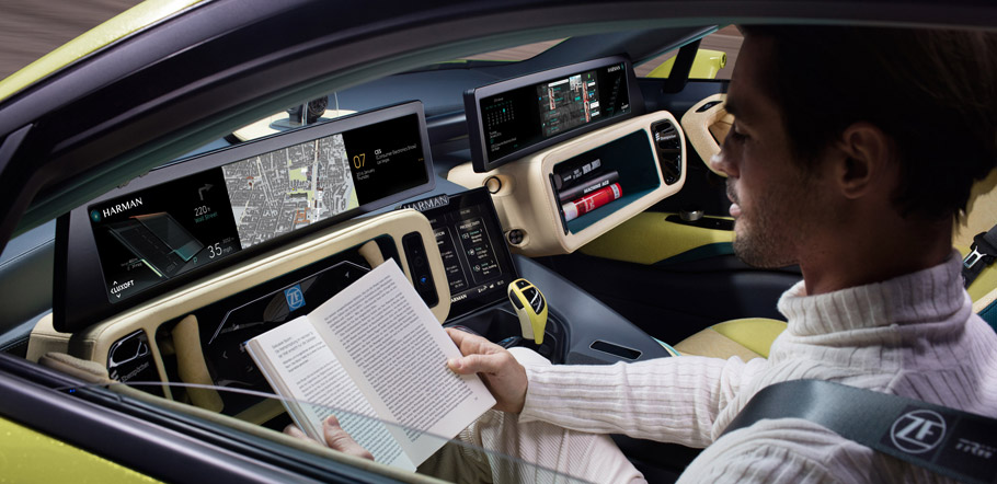 Rinspeed Σtos Concept: Man Reading Inside