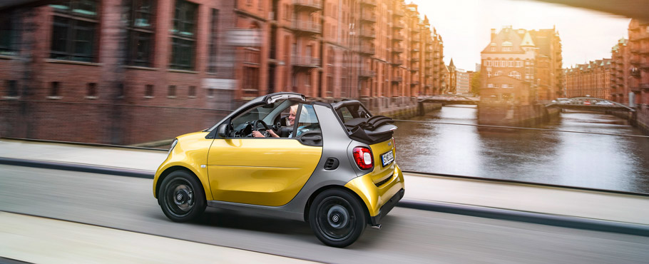 smart fortwo cabrio Side View