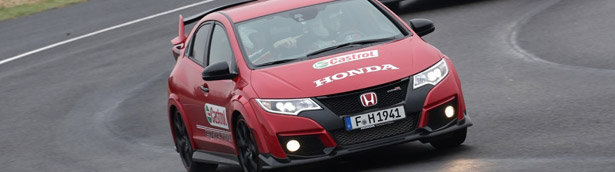 Immerse Yourself in the 360 Experience of Honda Moto GP vs Type R vs Touring [VIDEO]