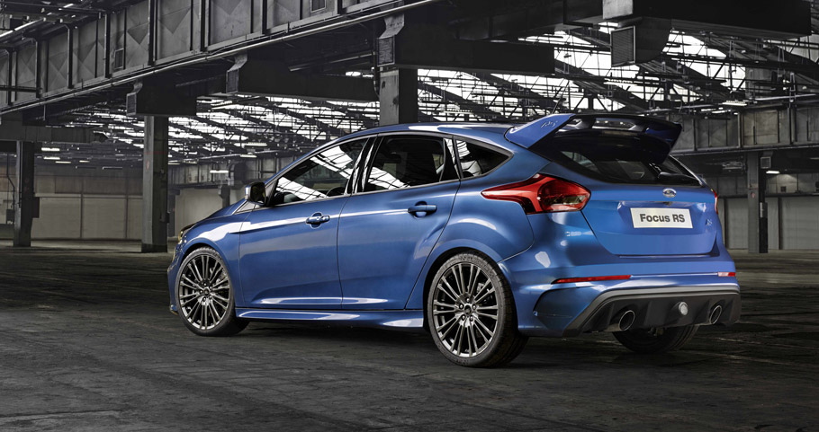2016 Ford Focus RS Rear View