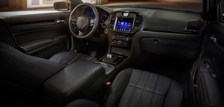 Chrysler 300S Alloy Edition Interior