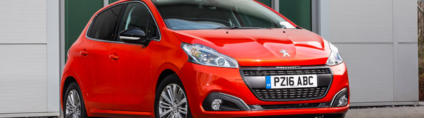 Peugeot Breaks Efficiency Record With the 208 BlueHDi Model