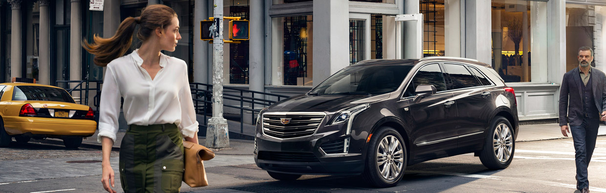 2017 Cadillac XT5 Luxury Crossover Front View