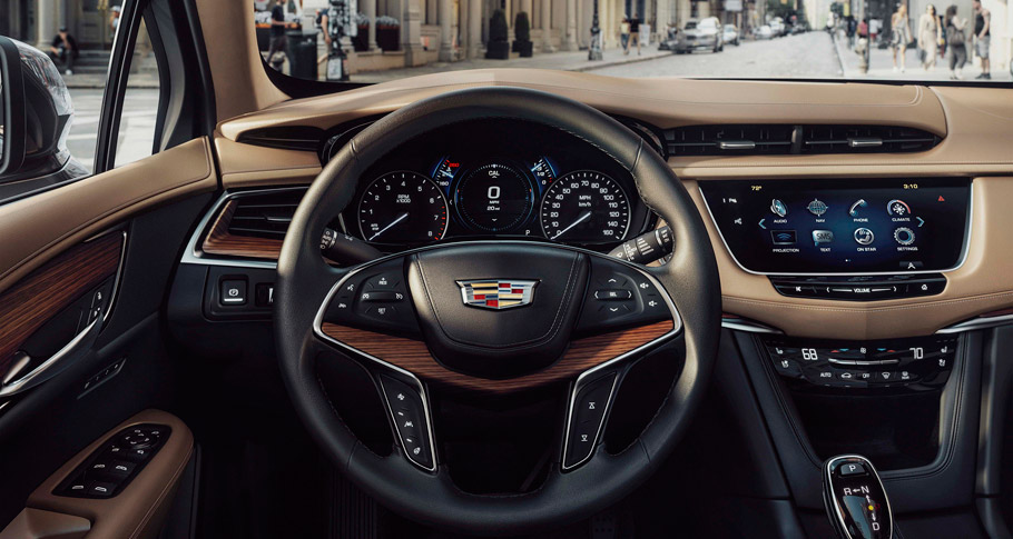 2017 Cadillac XT5 Luxury Crossover Interior