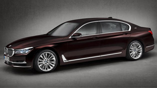 Luxurious and Agile: BMW M770Li xDrive at the Geneva Show. What Does it Offer?