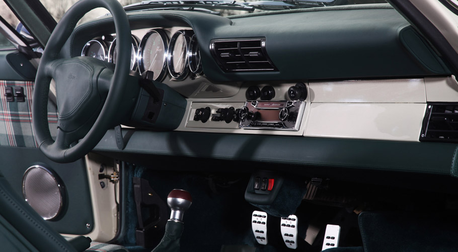 Kaege Porsche 911 Evergreen Interior