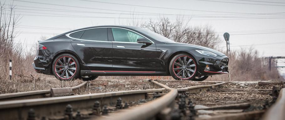 Larte Design Tesla Model S Elizabeta Side View