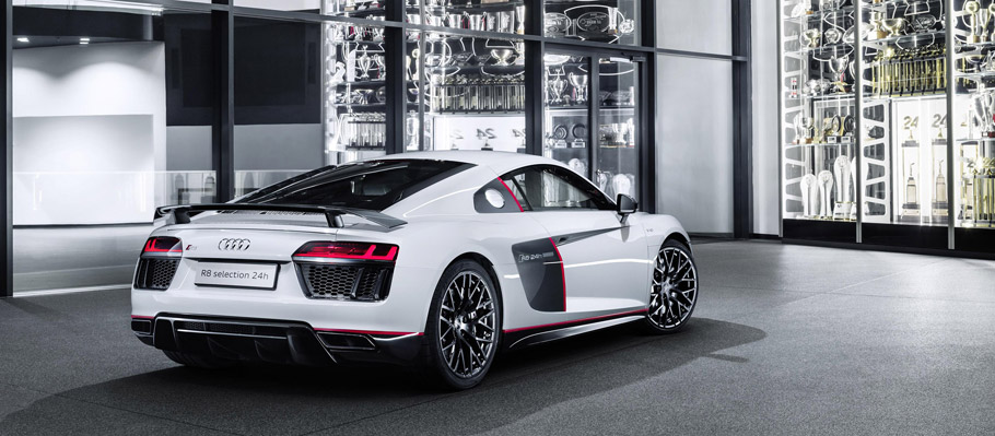 2016 Audi R8 V10 plus selection 24h rear view