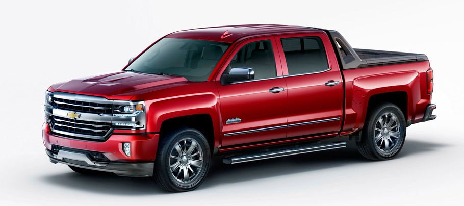 Chevrolet Silverado High Desert package front and side view