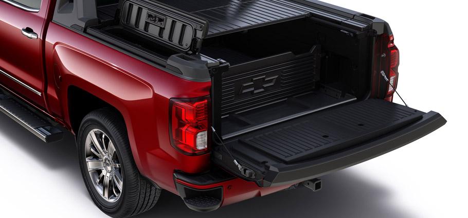 Chevrolet Silverado High Desert package cargo