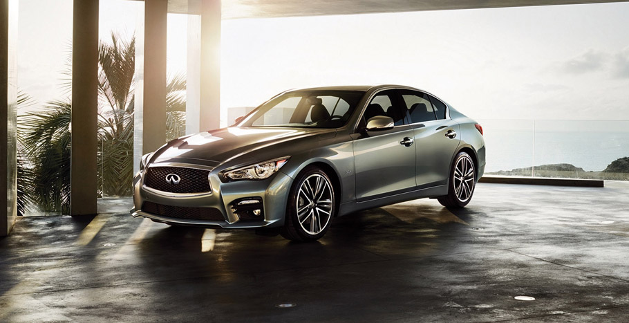 2016 Infiniti Q50 3.0t front and side view