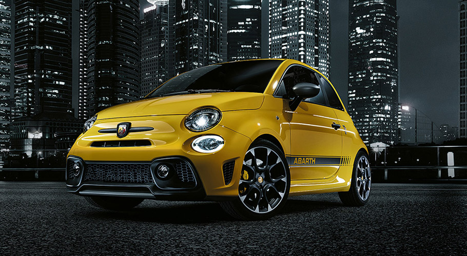 Abarth 595 front view