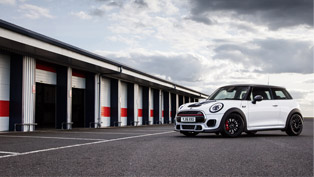 2016 MINI Cooper Works Challenge: a menacing beast or a sweet wanna-be?