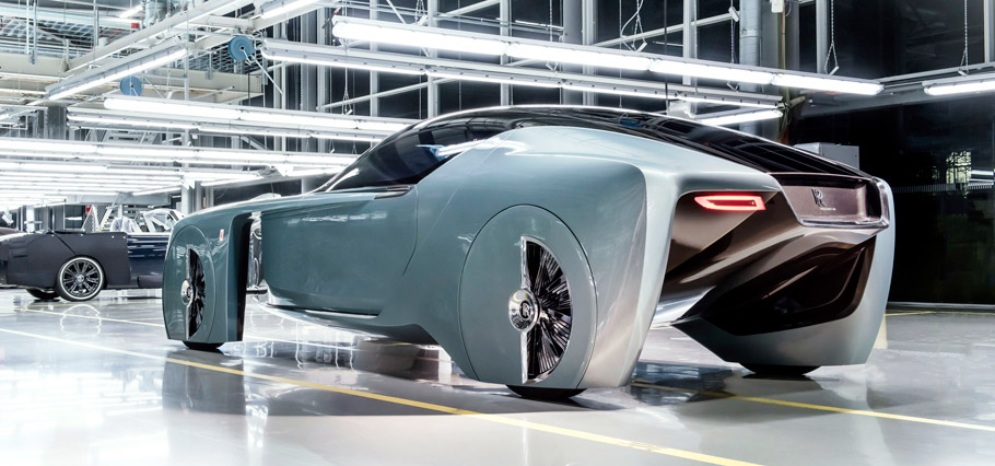 Rolls-Royce VISION NEXT 100 rear view
