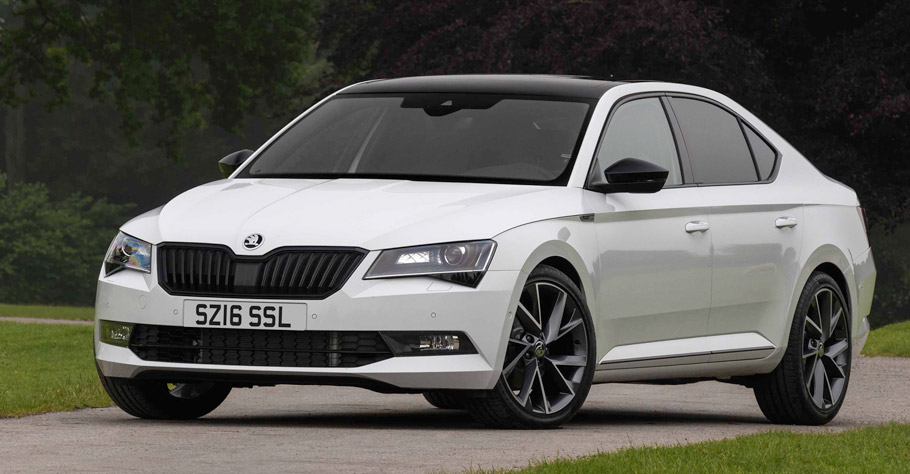 Skoda Superb SportLine front view