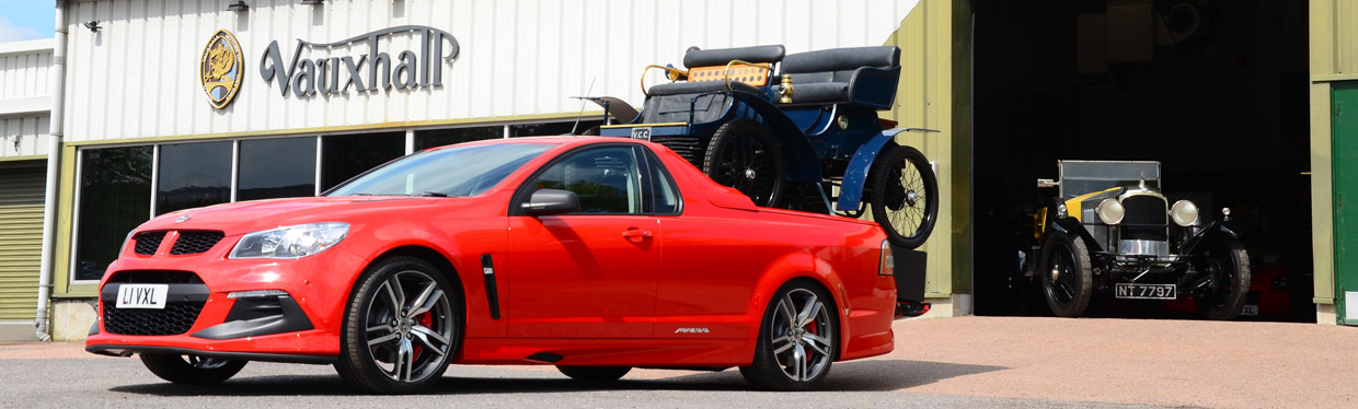 Vauxhall VXR8 Maloo LSA vs 1903 Vauxhall 5HP side view