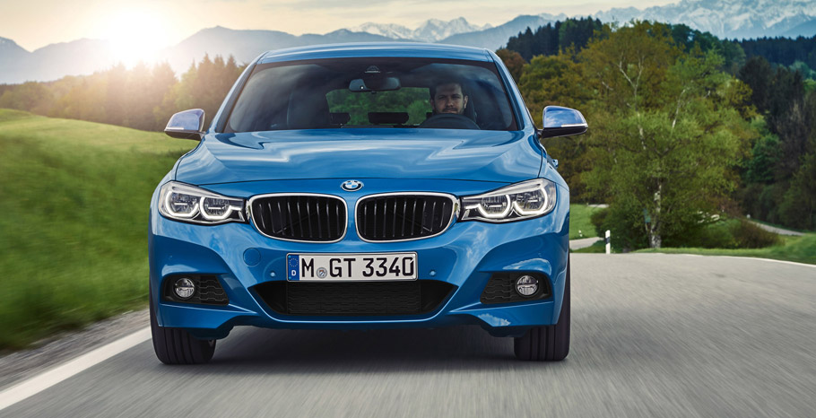 2017 BMW 3 Series Gran Turismo front view