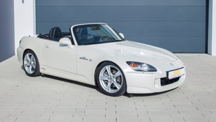 KW Automotive modernizes the iconic Honda S2000