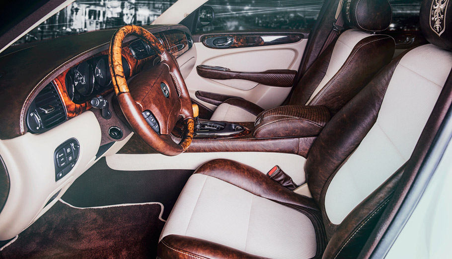 Vilner Jaguar XJ Single Malt interior pic two