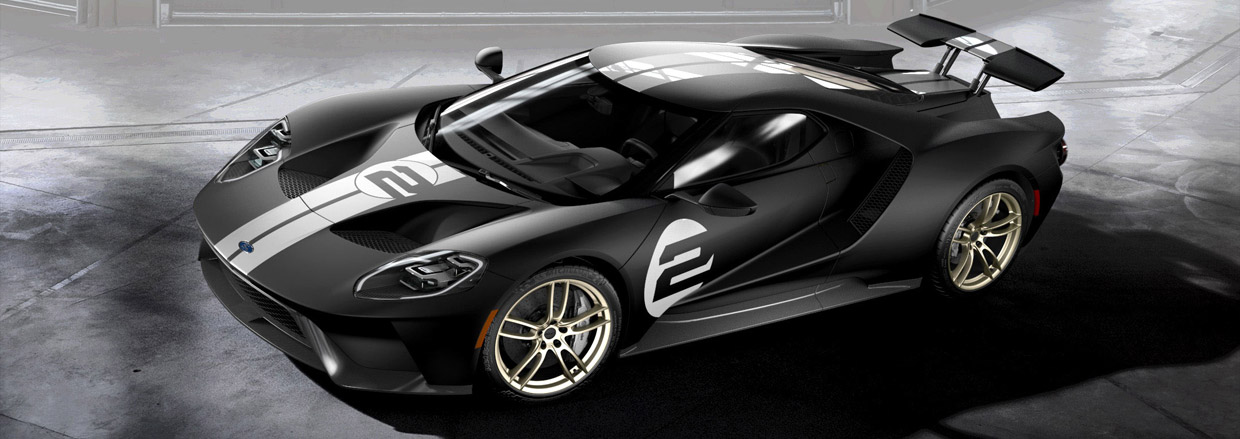 2017 Ford GT front and side view