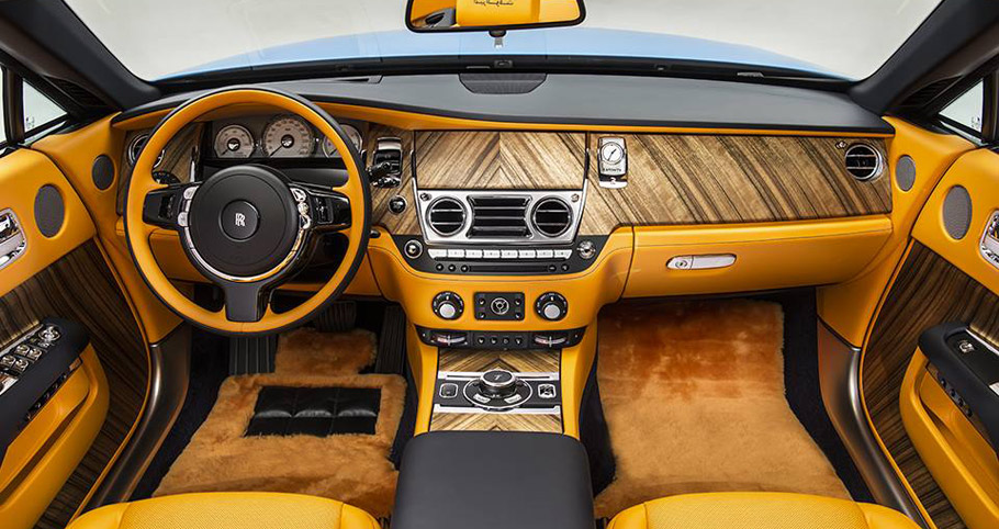 Rolls-Royce Dawn Cabriolet in Bespoke Blue interior