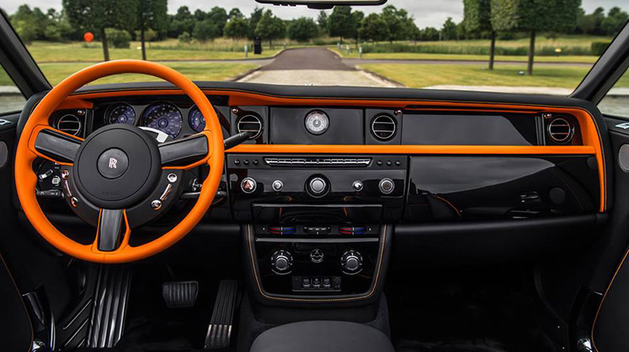 Rolls-Royce Phantom Drophead Coupe Beverly Hills Edition interior