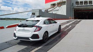 The wait is over: 2017 Honda Civic Hatchback has been finally revealed!