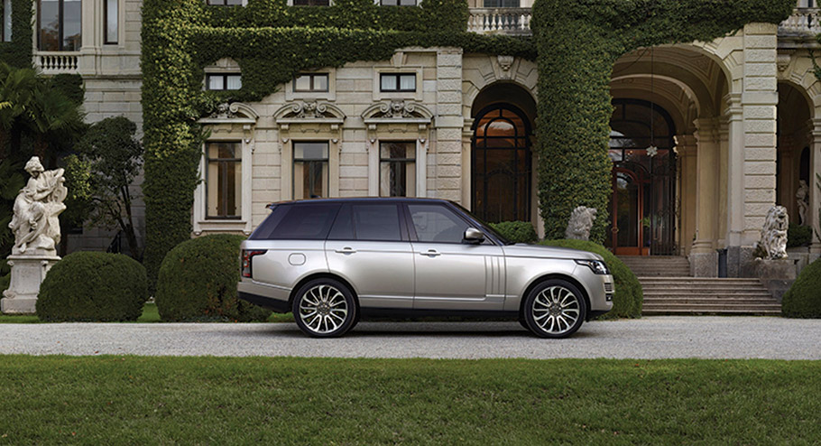 2017 Range Rover SVAutobiography Dynamic side view