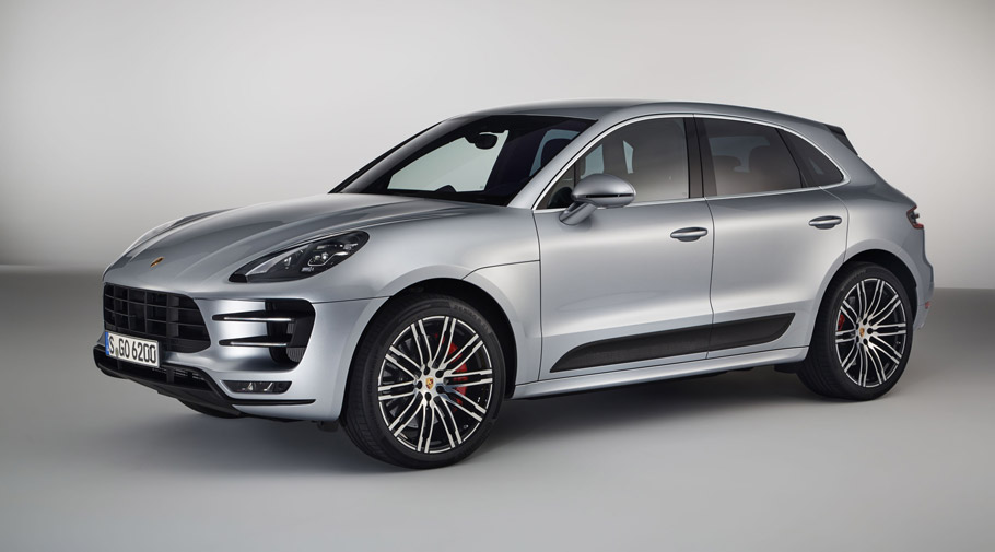porsche team shows performance pack for the macan turbo. Black Bedroom Furniture Sets. Home Design Ideas