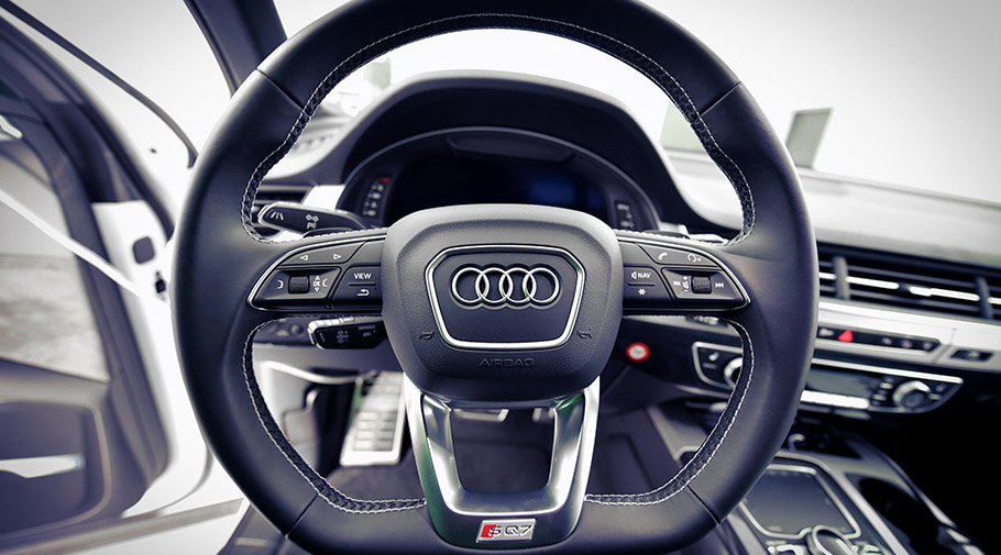 2017 SPEED-BUSTER Audi SQ7 SUV