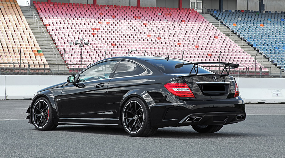 2017 Inden Design Mercedes-AMG C 63 Black Series
