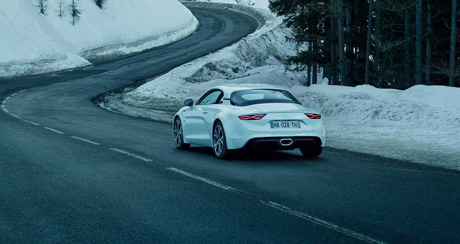 2018 Alpine A110 Pure and Legende