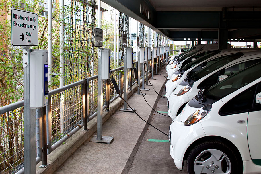 Electric-Vehicles-and-Raw-Material-Ethical-Issues
