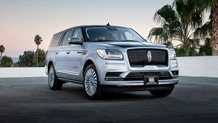 lincoln team showcases jay leno's exclusive black label navigator