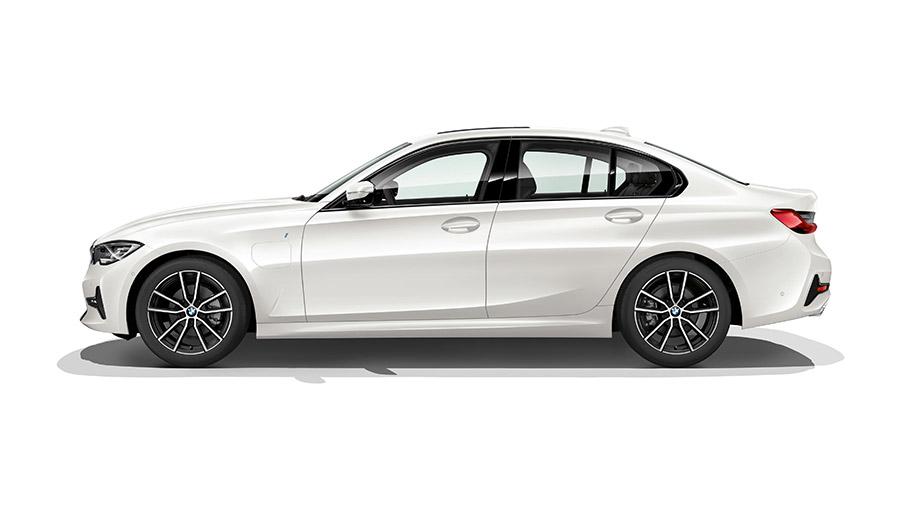 2019-BMW-300e-910