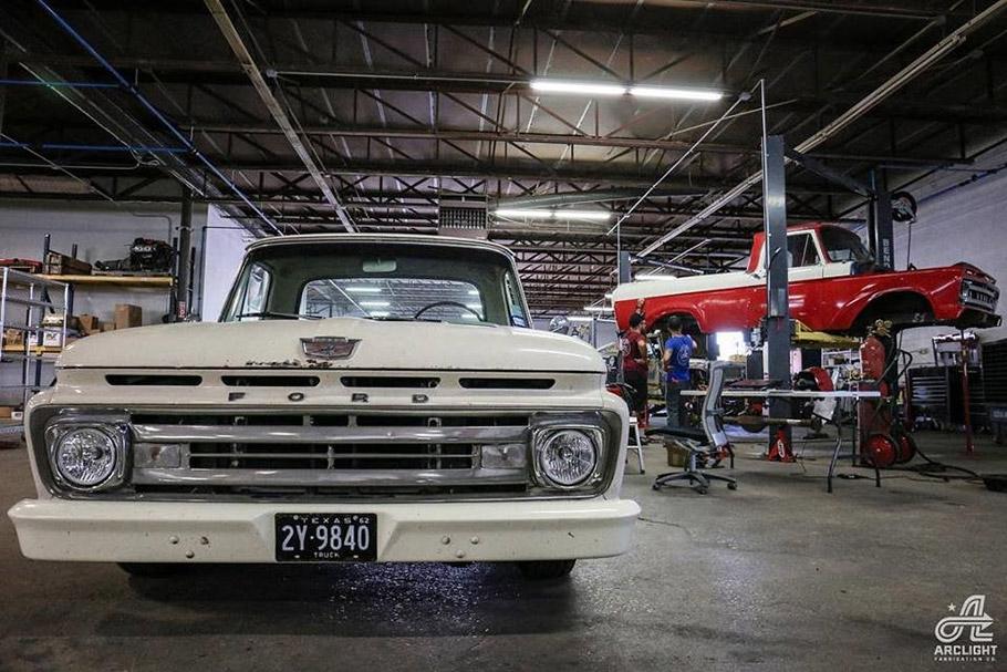 2019-Classic-Vehicle-910