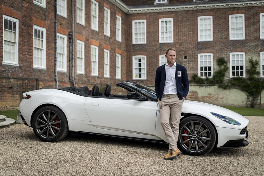 2019-Aston-Martin-DB-11-Volante-910