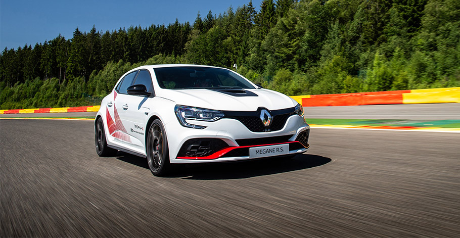 2019-Renault-Megane-RS-910
