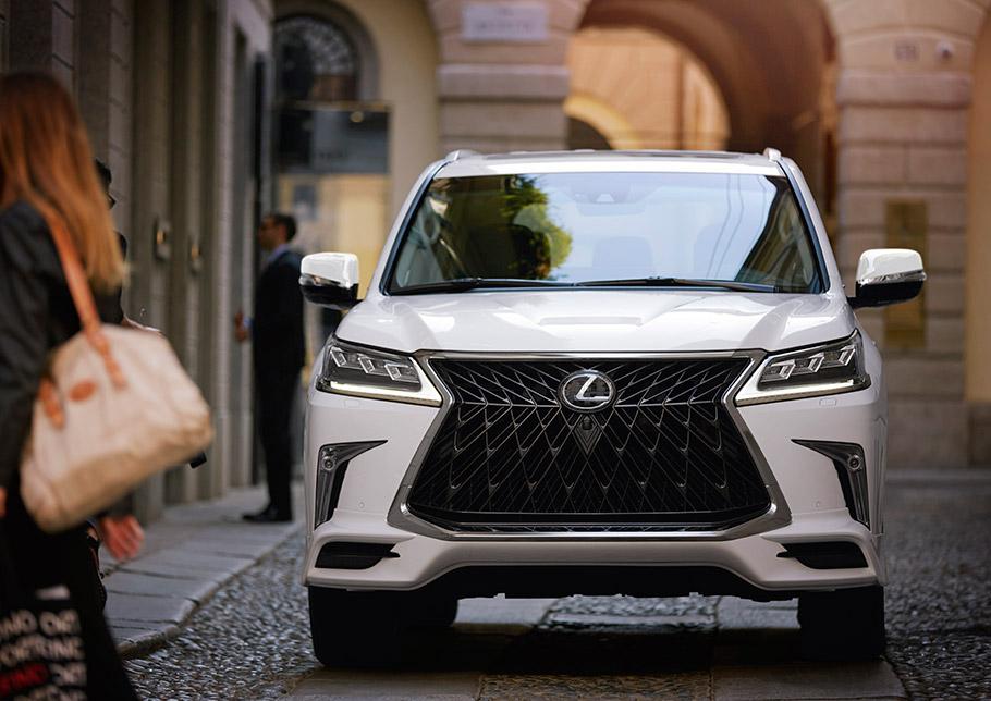 2020 Lexus LX Sport