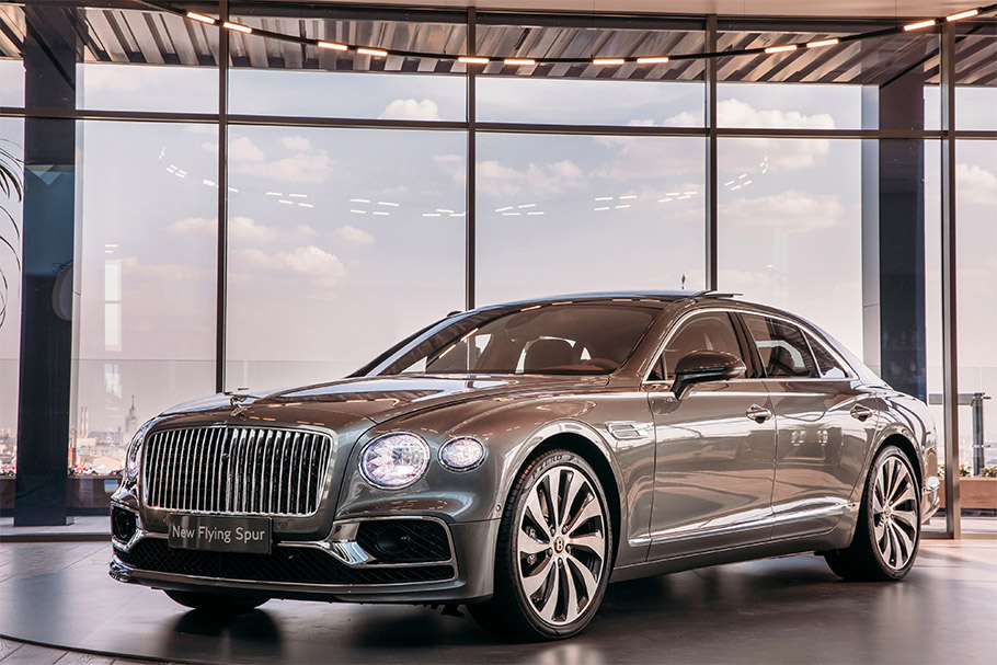 2019 Bentley Flying Spur at Moscow