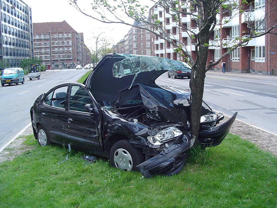 2019-Car-Crash-910