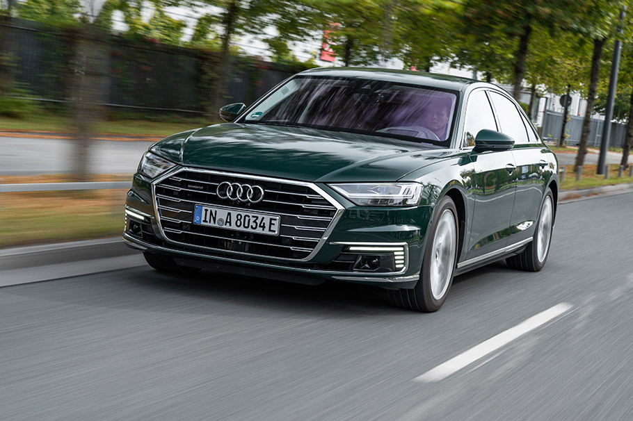 2020-Audi-A8-TSFI-e-910