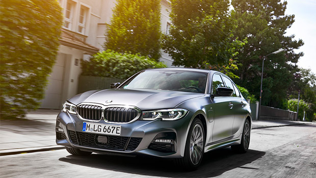 BMW presents new 3 Series 330e Xdrive: here's a quick drivetrain overview!