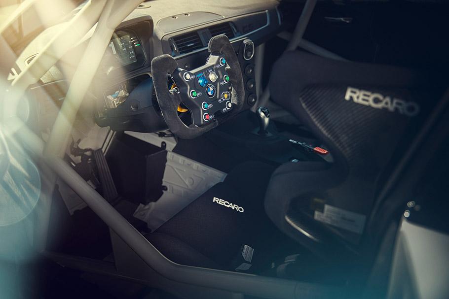 2021 BMW M2 CS Racing
