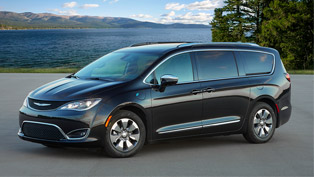chrysler pacifica hybrid is awarded with a prestigious recognition!