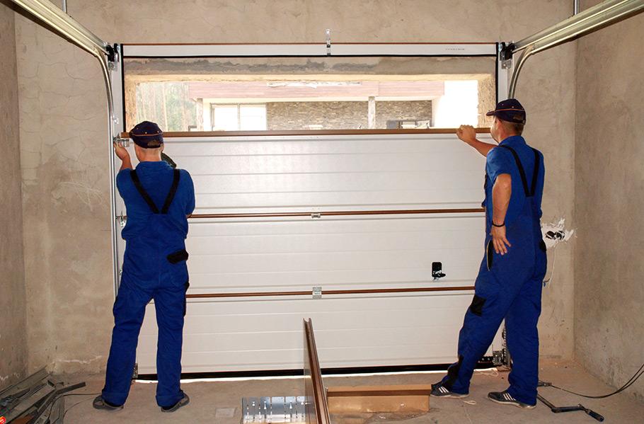 how-to-choose-the-best-garage-door-design-for-your-home-2