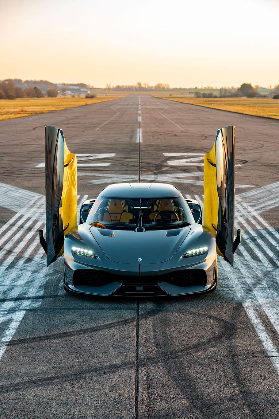 2021-Koenigsegg-Gemera1