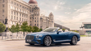st-tropez-debut-for-the-new-continental-gt-mulliner-convertible